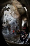 洞藏石窟的巧妙采光