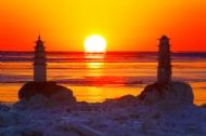 双塔戏夕阳